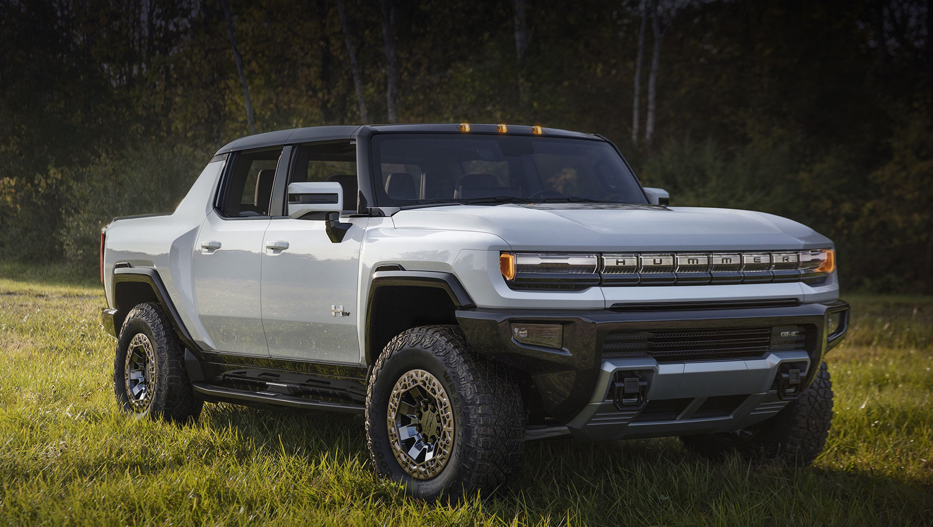 General Motors представит новые электрокары в январе на шоу CES