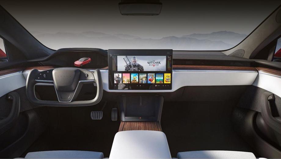 Модели Tesla S и X существенно обновили интерьер