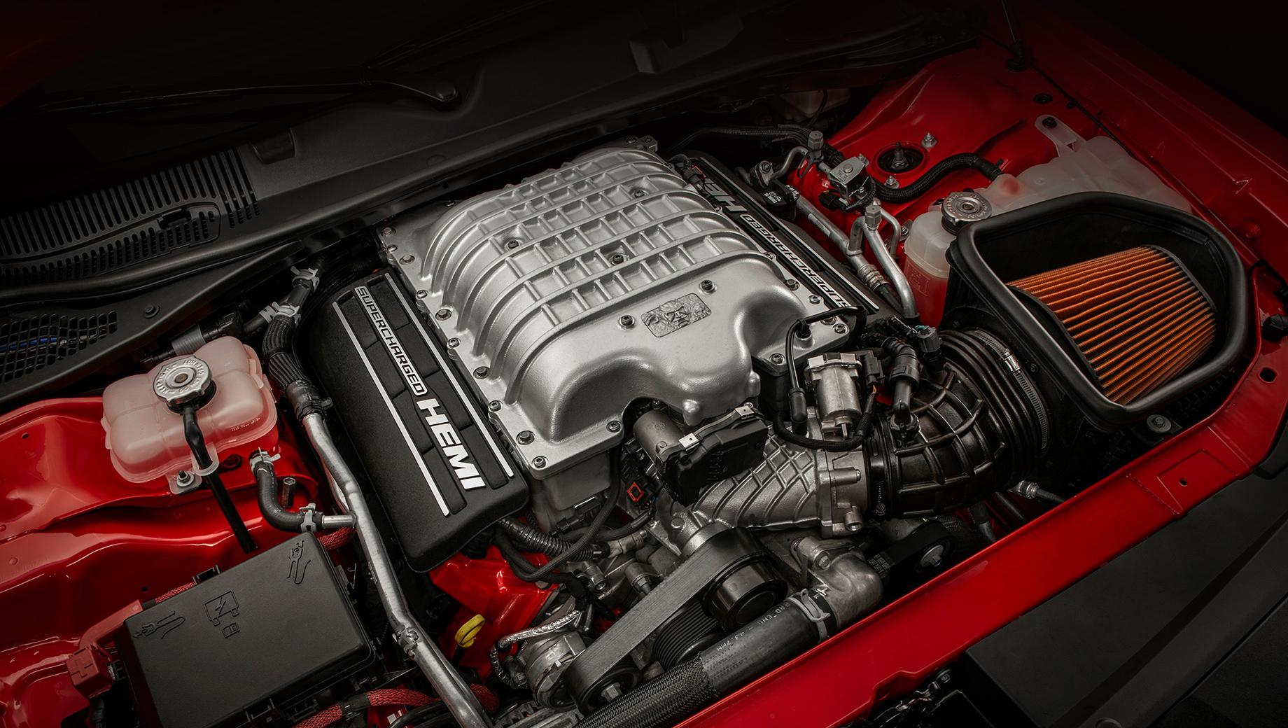 Глава Доджа рассказал о закате эры мощных моторов V8