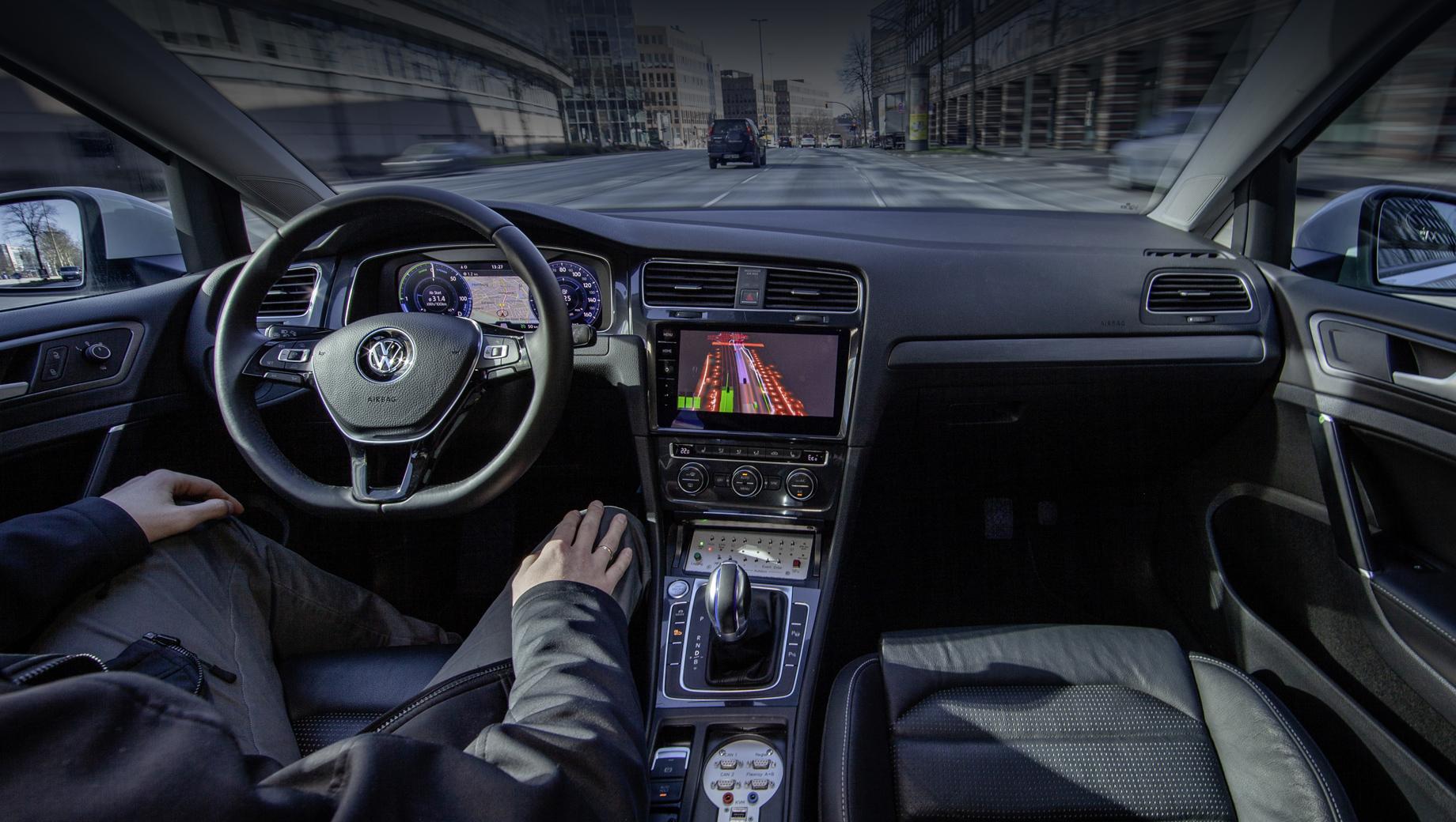 Volkswagen и Microsoft создадут основу для автономного движения