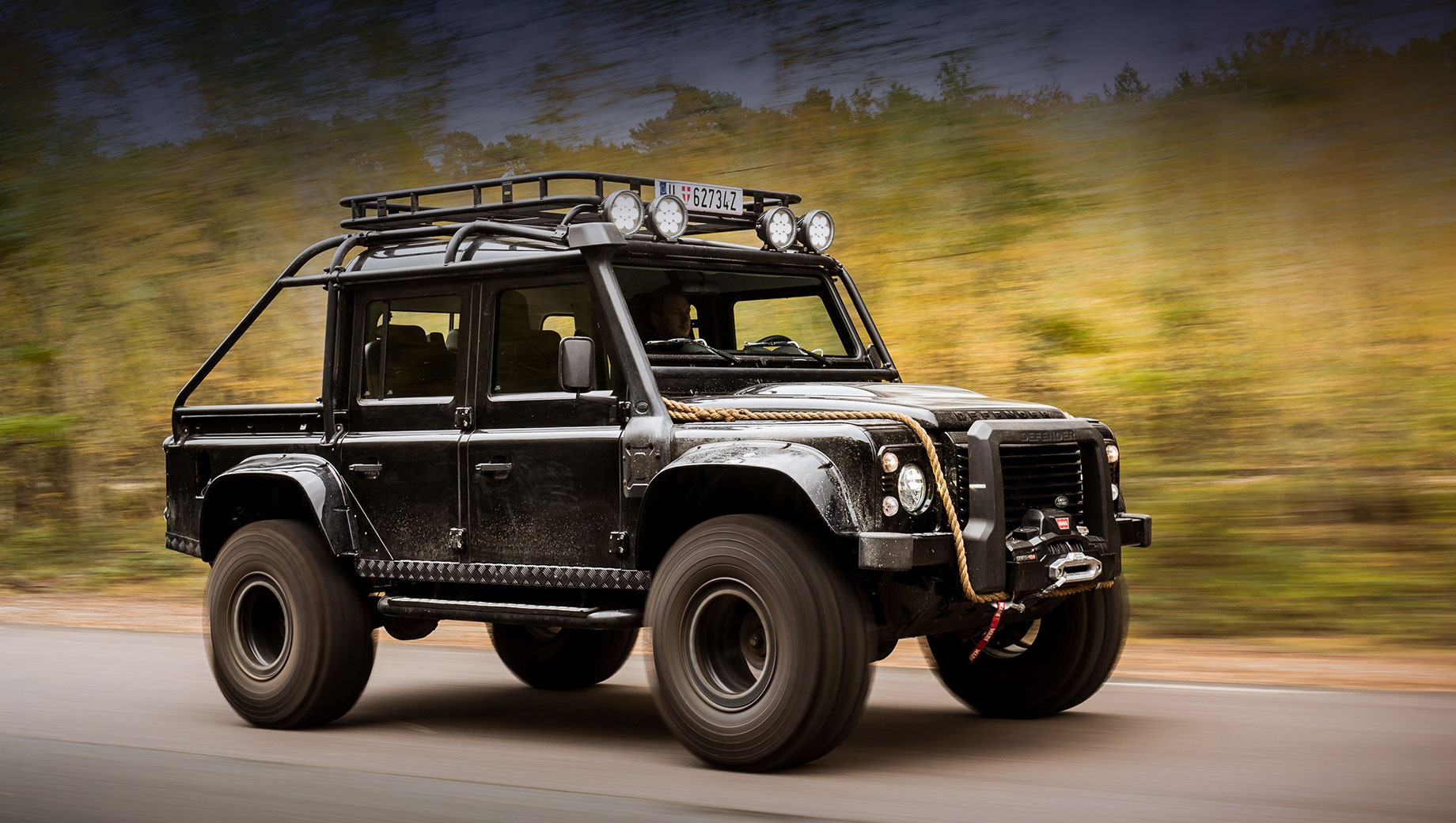 Land Rover намекнул на выпуск нового пикапа Defender