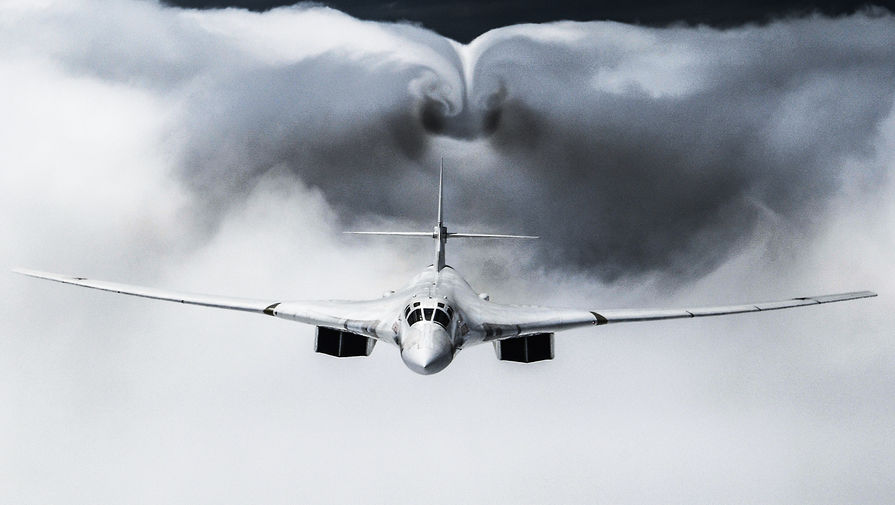 Два Ту-160 пролетели над Баренцевым, Гренландским и Норвежским морями