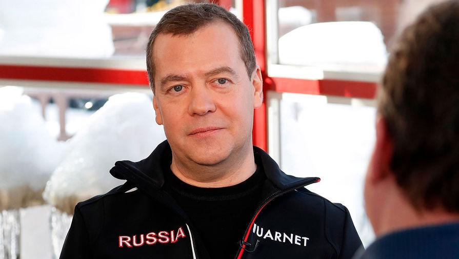 Медведев записал новогоднее обращение к россиянам
