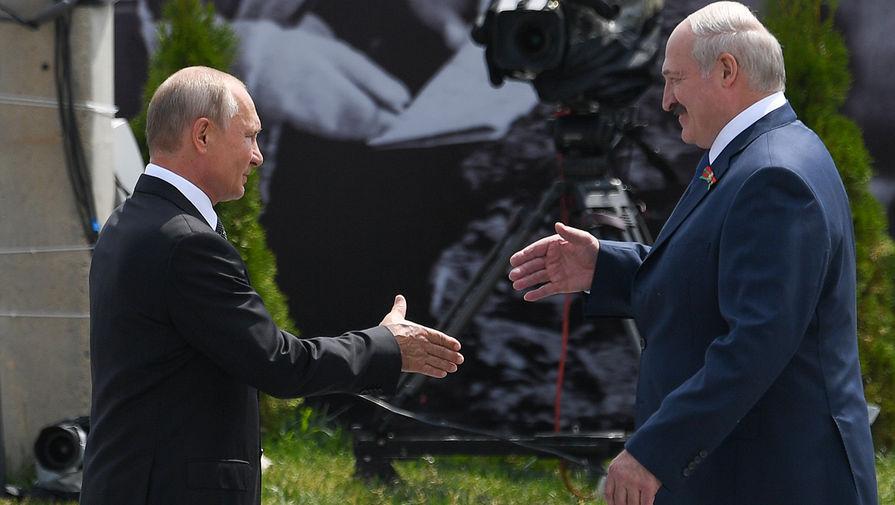 Лукашенко заявил, что его и Путина 'намертво' загнали в одну команду