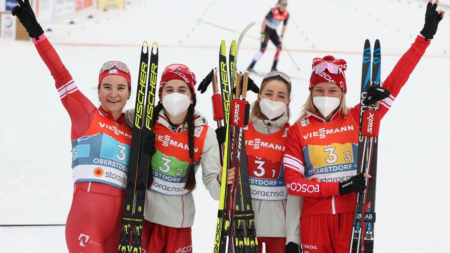 Непряева прокомментировала серебро в эстафете на чемпионате мира