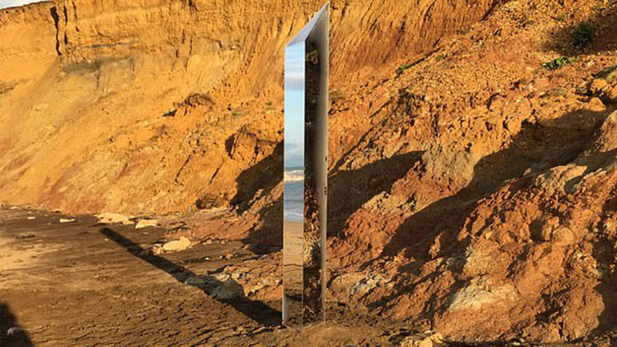 В Британии обнаружили новый зеркальный монолит