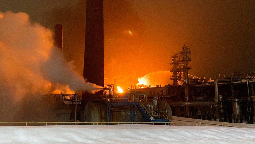 Человек пропал без вести при пожаре на заводе в Уфе