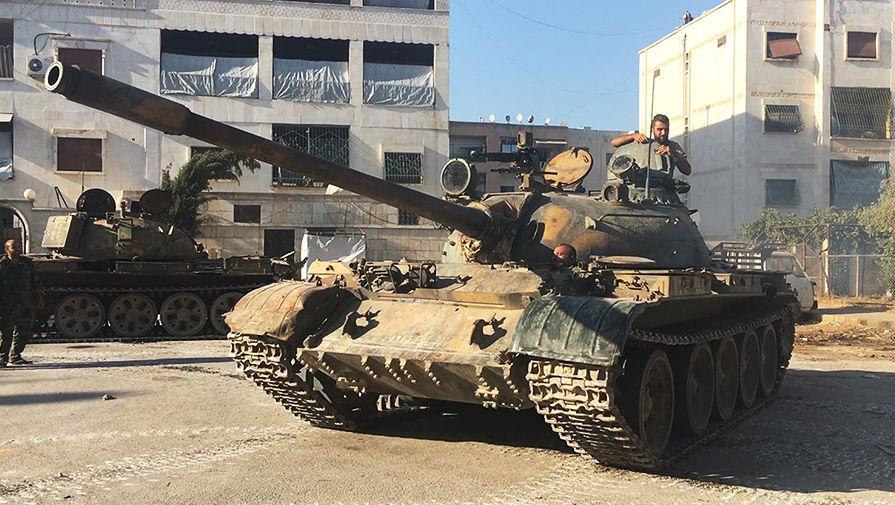 Российские военные провели учения с сирийскими танкистами