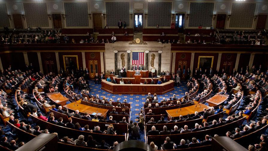 В конгрессе встретили аплодисментами слова республиканца о поддержке импичмента Трампу
