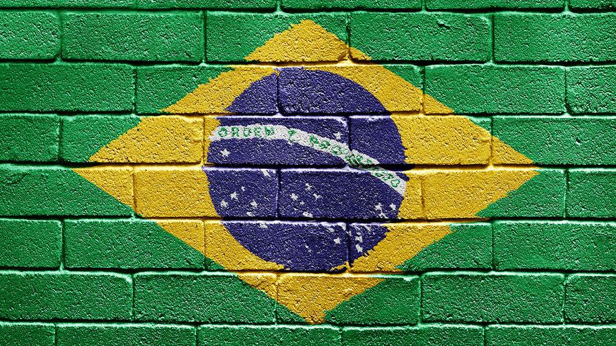 Бразилия закупит и будет производить вакцину 'Спутник V'