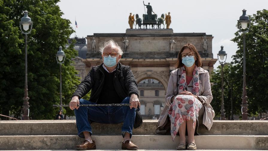 ЕС рекомендовали сохранять ограничения по коронавирусу в общественных местах