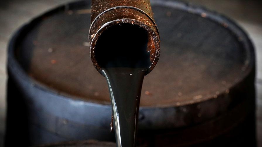 В порту Находки ликвидируют последствия разлива нефти