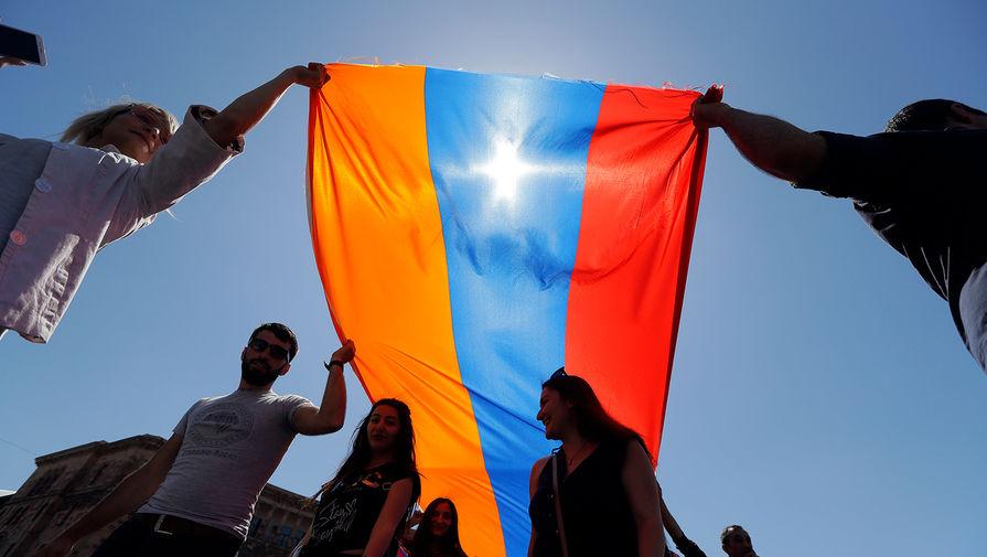 Экс-замначальника Главштаба ВС Армении требует через суд восстановления в должности