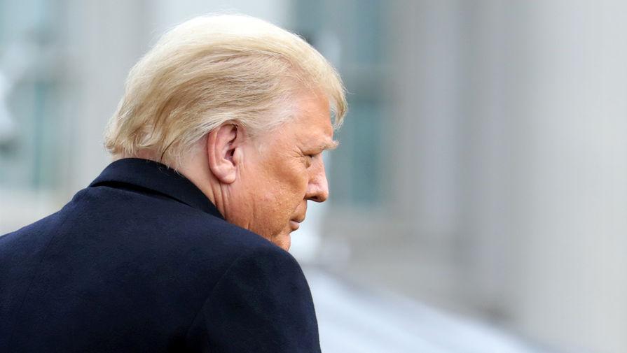 Демократы: Трамп не может оставаться в должности президента ни дня