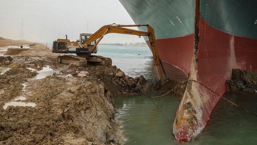 Из-за блокировки Суэцкого канала задерживаются танкеры с нефтью на $400 млн