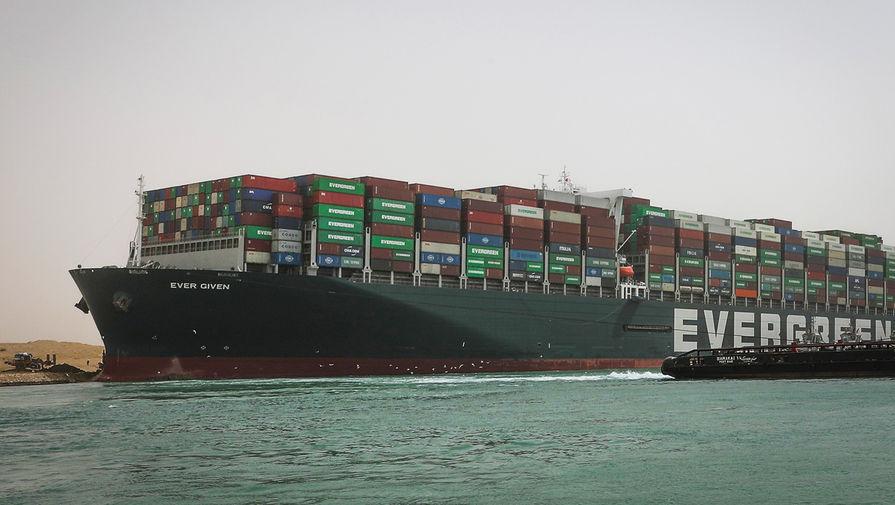Попытка снять с мели контейнеровоз в Суэцком канале оказалась неудачной