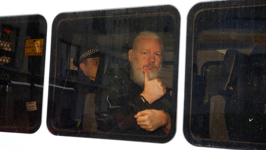Лондонский суд отказал США в экстрадиции Ассанжа