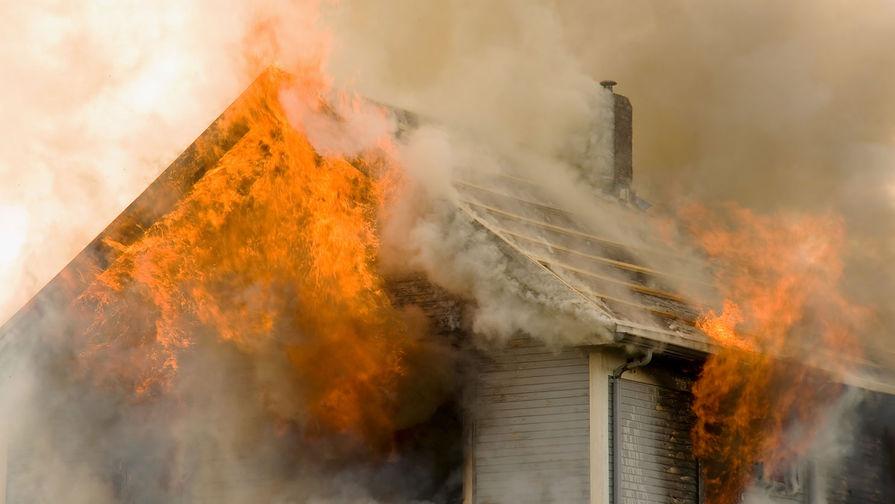 Три человека погибли при пожаре в частном доме в Татарстане
