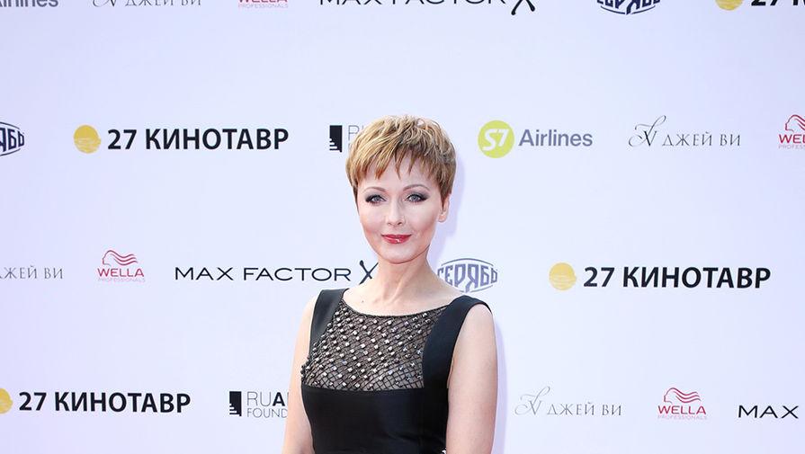 Актриса Повереннова вышла замуж за миллионера Шаронова