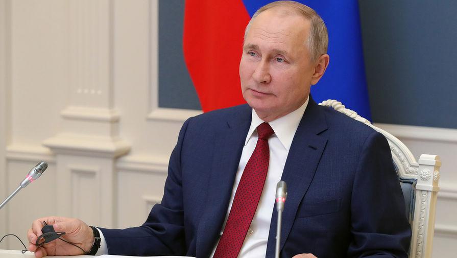 Путин заявил, что Россия находится 'на марше' к пику исторического развития