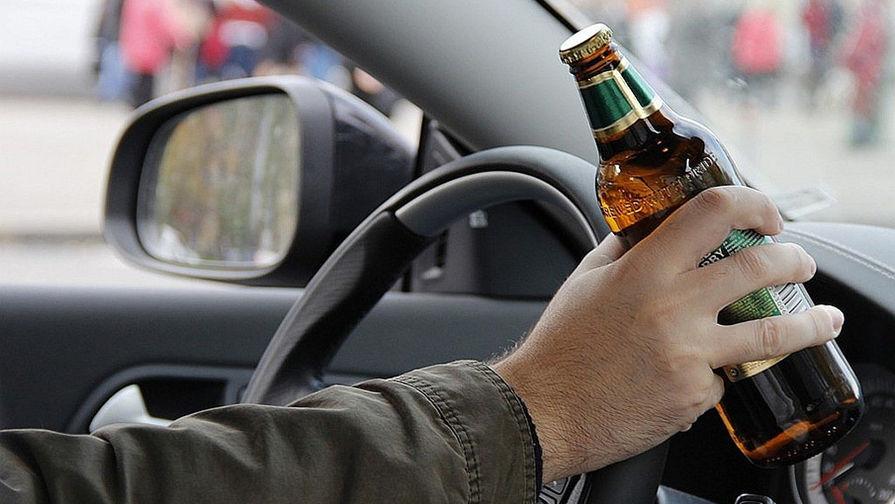 Во Владивостоке пьяный водитель сбил ворота детсада