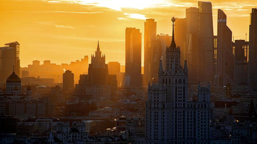 Более 100 тысяч жителей Москвы уже поучаствовали в выборе памятника на Лубянке