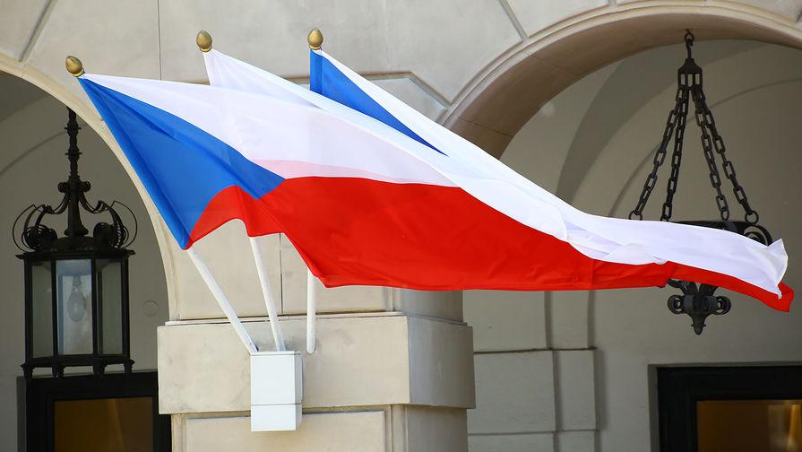 Чехия усиливает антикоронавирусные ограничения