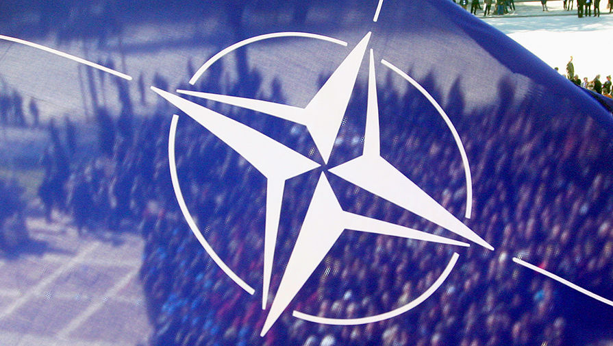 В НАТО посоветовали Украине сконцентрироваться на внутренних реформах