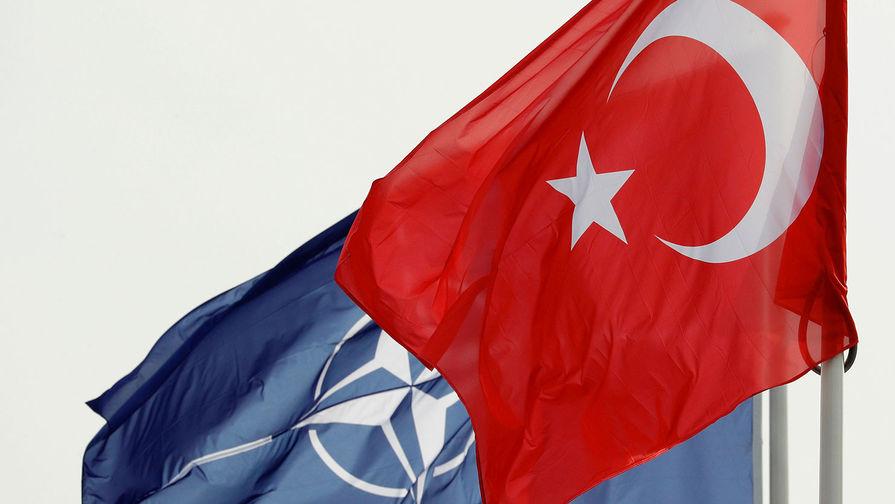 США обвинили Турцию в подрыве сплоченности и эффективности НАТО из-за покупки С-400