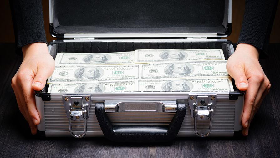 Россияне сняли со счетов $28 млрд в иностранной валюте в 2020 году