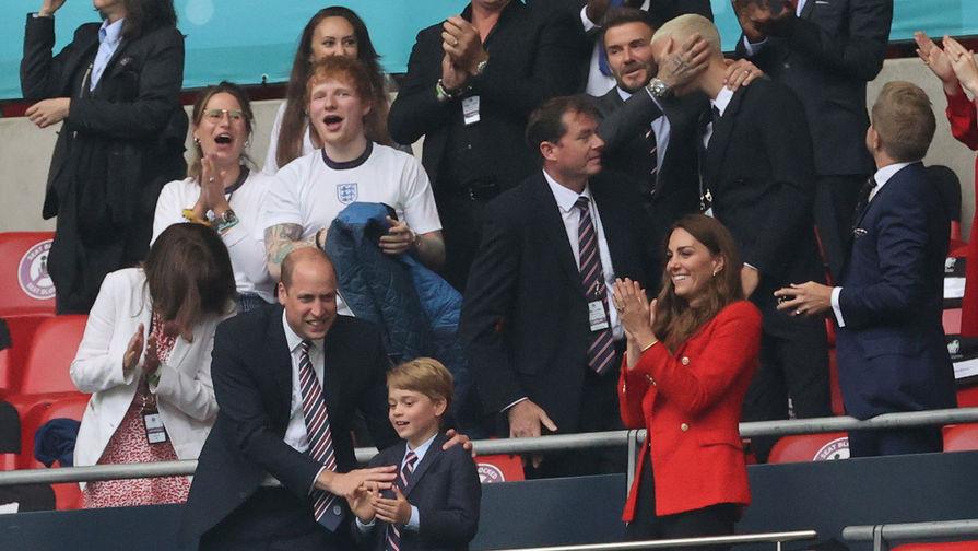 СМИ: Семилетний принц Джордж стал 'счастливым талисманом' на матче сборной Англии