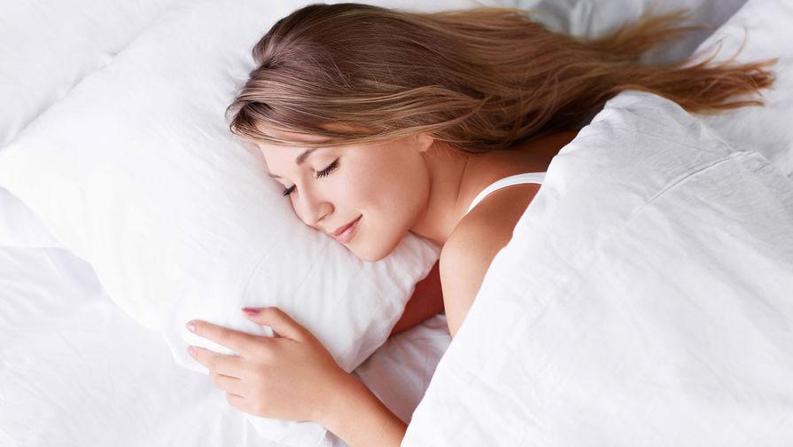 Сомнолог назвал продукты для крепкого сна