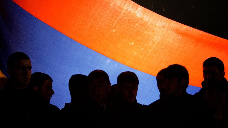 Оппозиция Армении назвала 'четыре пути' отставки Пашиняна