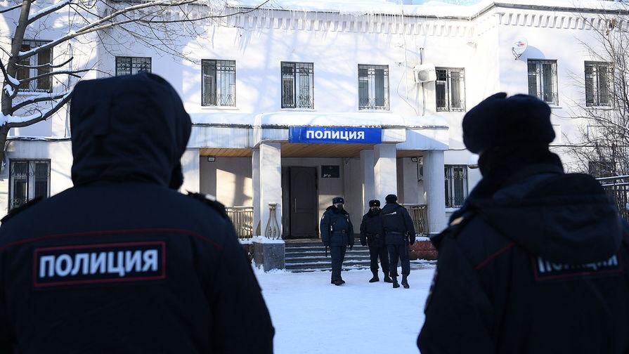 МВД объяснило выездной формат заседания суда по Навальному