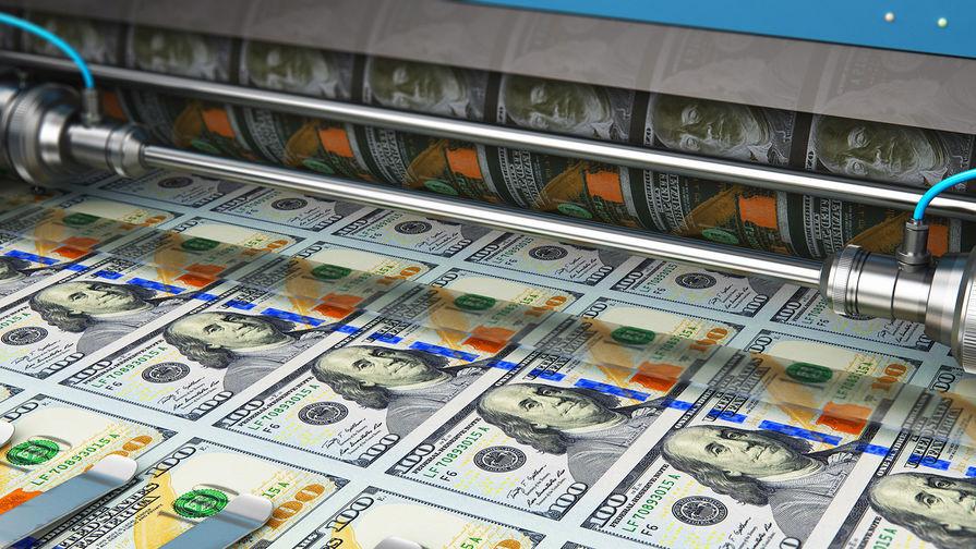 Аналитик объяснил опасность вложений в доллар
