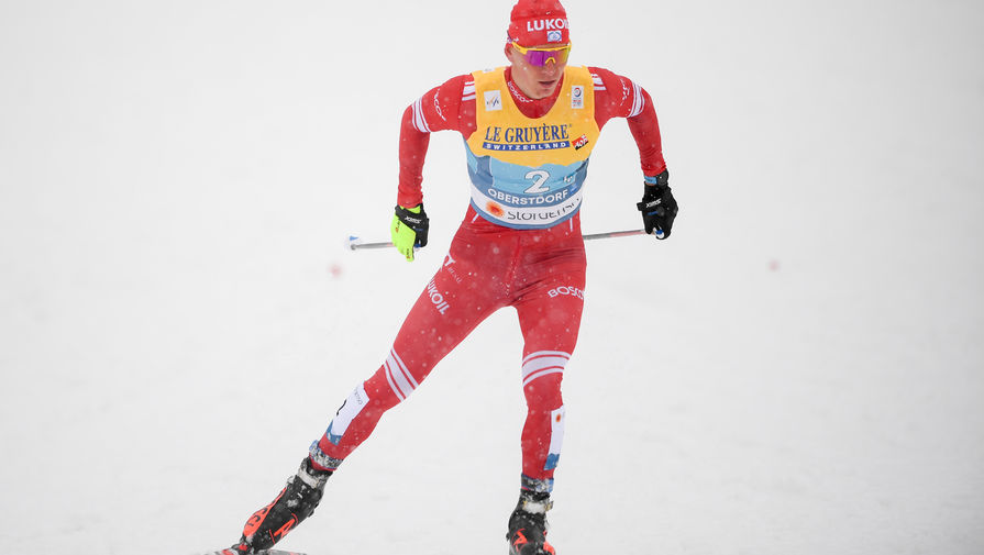 Стрем поделился мнением о реакции Большунова на серебро в марафоне