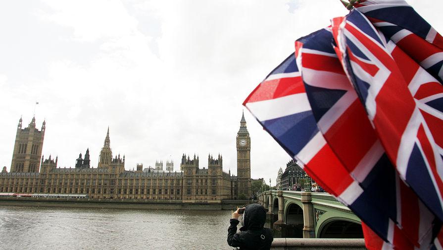 Жители Лондона массово покидают город после введения новых ограничений