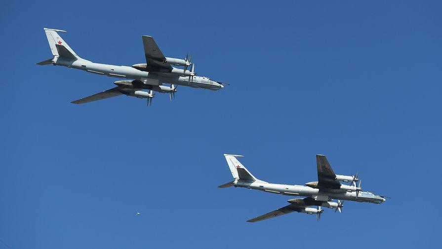 Два самолета Ту-142 пролетели над тремя морями