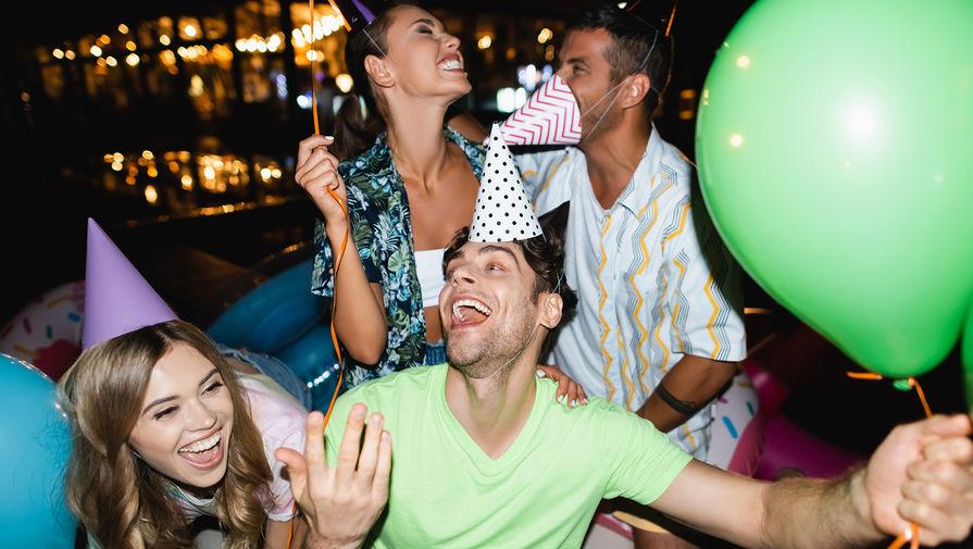 Жителей Британии будут штрафовать за посещение домашних вечеринок