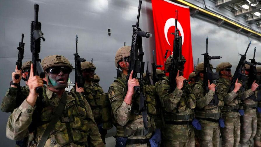 В Турции девять военных погибли при крушении вертолета
