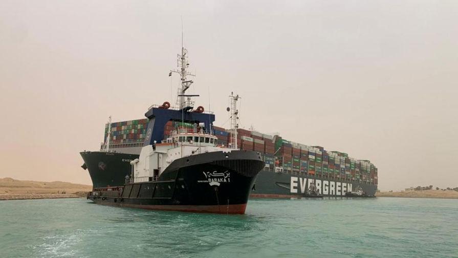 Перевозчики запросили транзит через Россию из-за блокировки Суэцкого канала