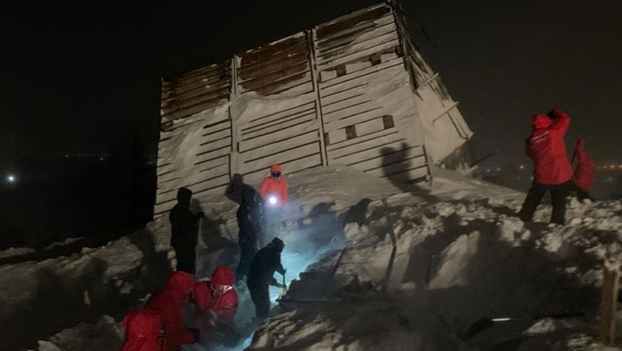 СК инициировал проверку после схода лавины на горнолыжной базе в Норильске