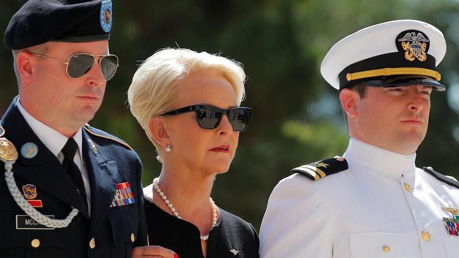 Байден выдвинул вдову Джона Маккейна на должность в ООН