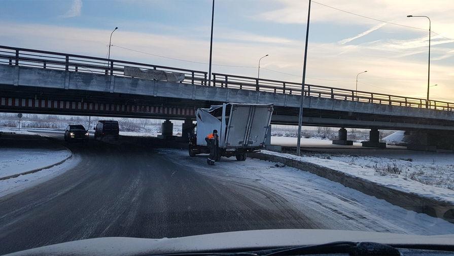 'Мост глупости' в Санкт-Петербурге закрыли