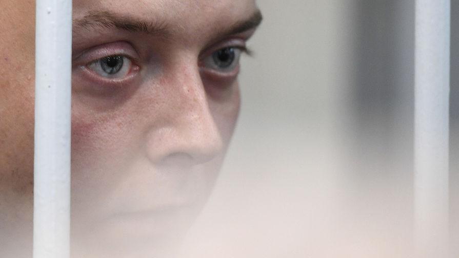 Суд признал законным решение о продлении ареста Сафронову
