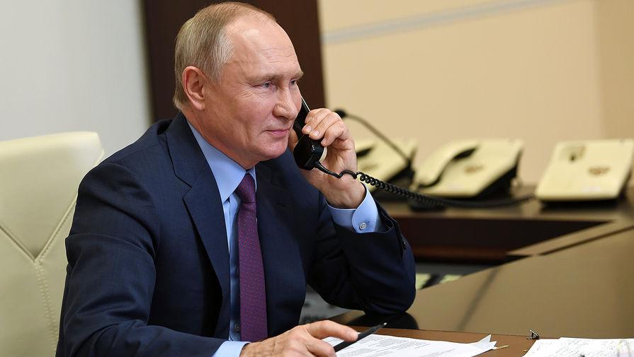 Путин поручил представить предложения по индексации пенсий работающих пенсионеров