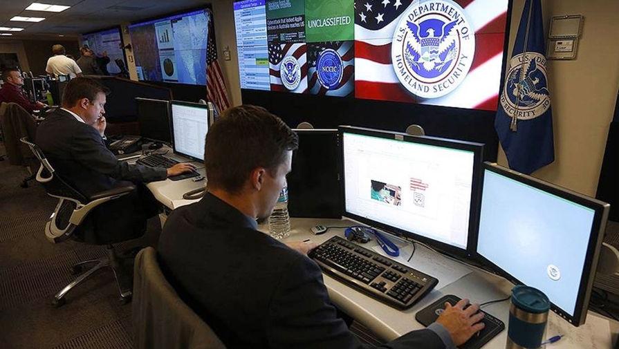 Республиканцы просят ФБР расследовать причастность Facebook и Twitter к штурму Капитолия