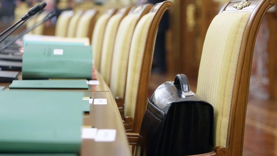 Комитет ГД поддержал снятие возрастных ограничений для ряда госслужащих
