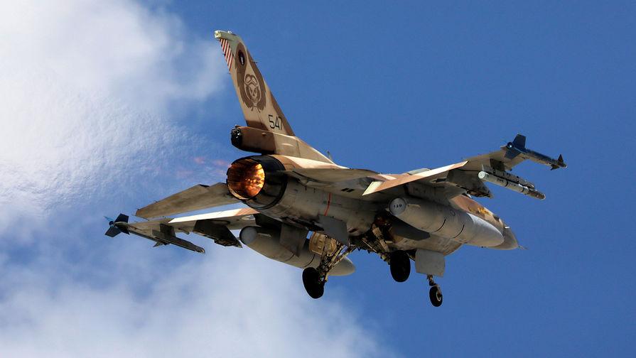 СМИ: ПВО Cирии отражают израильскую атаку в провинции Хама