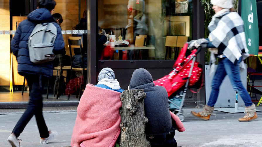 В США резко поднялось число заявок на пособия по безработице